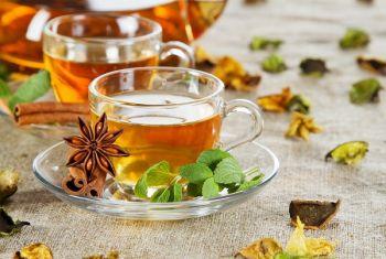 Đây là lí do người Nhật chuộng trà xanh, người châu Âu thích vang đỏ